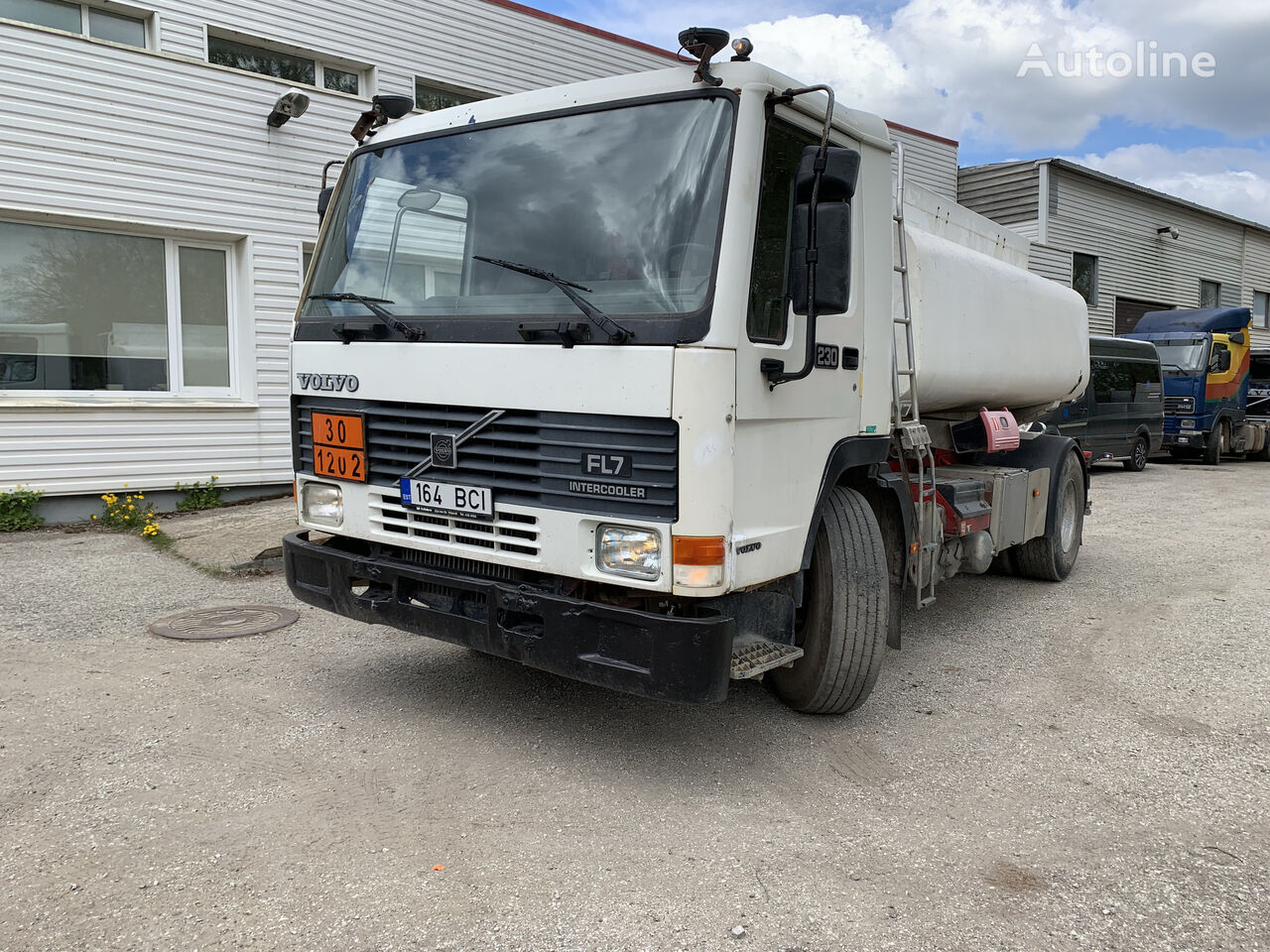 VOLVO FL7 230 kamion cisterna za gorivo