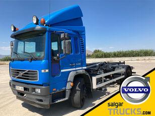 VOLVO FL 220 kamion s kukom