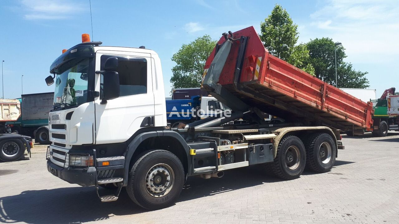 SCANIA P340 6X4  kamion s kukom