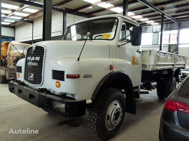 MAN 11.136 - 4x4 - CARGO kamion s ravnom platformom