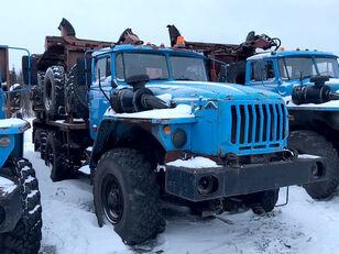 Уралпромтехника Уралпромтехника 59601В kamion za prijevoz drva