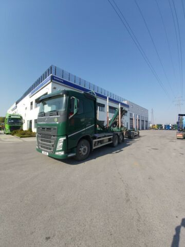 VOLVO FH 460 kamion za prijevoz drva + šumarska prikolica