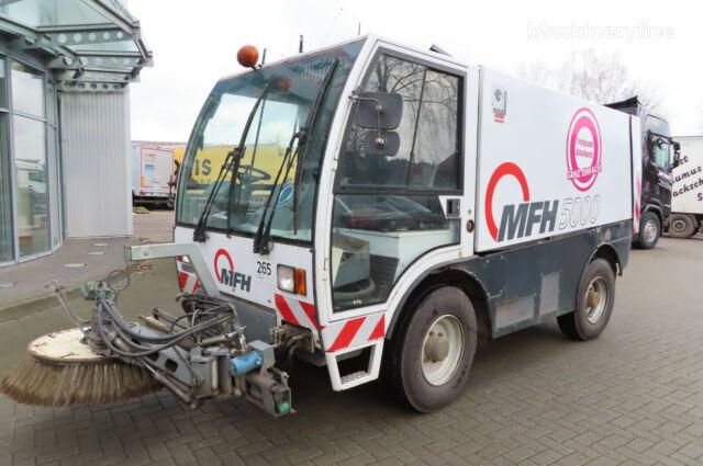 MFH Hochdorf 5000 – Kehrmaschine cisterna za pranje ulica