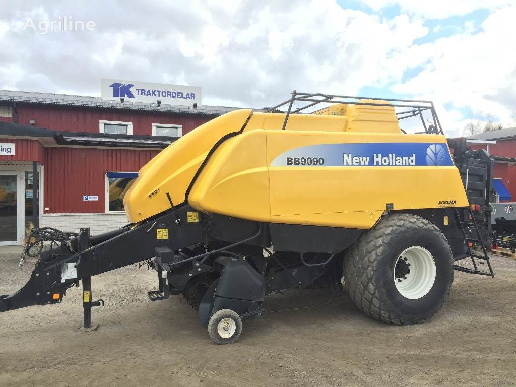 NEW HOLLAND BB9090 Damaged / Skadad balirka za okrugle bale