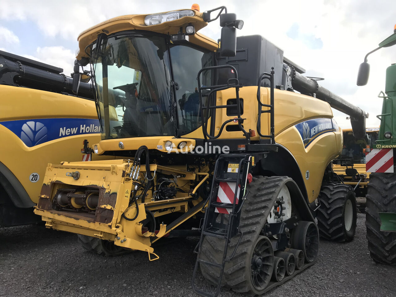 NEW HOLLAND CR 9080 ST , 12,3m Schneidwerk kombajn