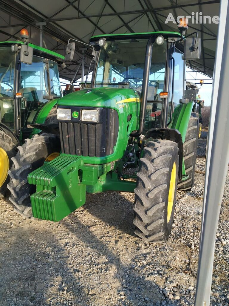 JOHN DEERE 5093E traktor na kotačima